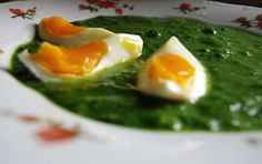 Kispiros kiskonyhája: Spenót főzelék Hungarian Cuisine, Hungarian Recipes, Romanian Recipes, Romanian Food, White Meat, Saveur, Sauce Recipes, Quinoa, Spinach