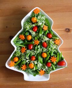 Green Gourmet Giraffe: Almost there: Christmas, quiche and salad Recipetin Eats, Greens Recipe, Side Salad, Food Festival, Avocado Toast, Quiche, Food To Make, Food And Drink, Appetizers