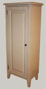 Kaappi L 54 x S 34 x K 130  #shabbychic #vitriini #kustavilainen #maalaisromanttinen #helmenharmaa