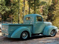 I will own this pick up one day! Vintage Pickup Trucks, Old Ford Trucks, Antique Trucks, Vintage Cars, Antique Cars, Vintage Ideas, Ford Classic Cars, Classic Trucks, Hot Rod Trucks