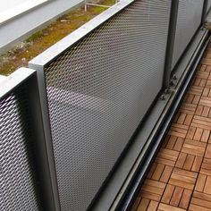German BauZeitschrift - Home Decor Design Stair Handrail, Metal Railings, Staircase Railings, Outdoor Screen Panels, Decorative Screen Panels, Fence Design, Door Design, House Design, Balustrade Balcon