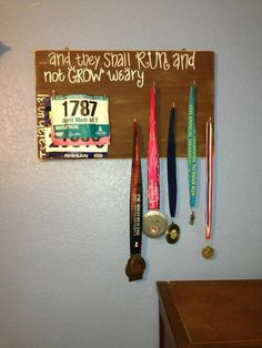 Great gift idea for the runners in my life, and I love the Bible verse!