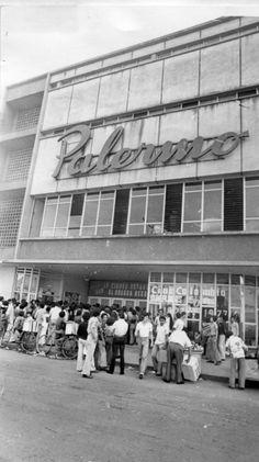 Teatro Palermo  #Cali #CaliViejo #Valledelcauca #Colombia Cali Colombia, Palermo, Street View, Memories, History, Film, Flowers, Ideas, Theatres