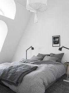 Bedroom under the rooftop. Stylist Pella Hedeby, Photographer Sara Medina Lind