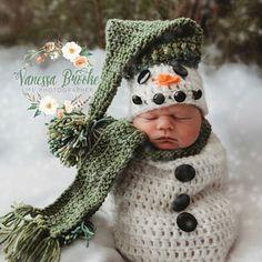 Pattern - Crochet Newborn Snowman Hat, Scarf, and Cocoon Set, Crochet Newborn Snowman Photo Prop, Babies First Christmas Crochet Pattern - Christmas card ornaments Newborn Crochet Patterns, Crochet Baby Hats, Baby Patterns, Crochet Hooks, Crochet Clothes, Crochet Baby Cocoon Pattern, Booties Crochet, Crochet Baby Stuff, Crochet Baby Costumes