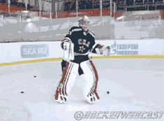 Ilya Ezhov, KHL Goalie and Backflip Extraordinaire. (x)