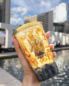 Taiwan's Tiger Sugar Bubble Tea Opens First Canadian Store In Toronto - Narcity Boba Drink, Bubble Milk Tea, Canada Trip, Cheat Meal, Aesthetic Food, Brown Sugar, Salad Recipes, Diabetes, Foodies