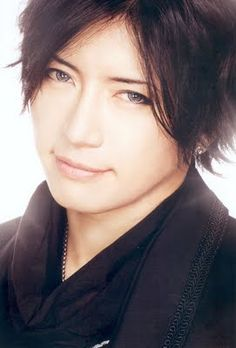 Camui Gackt - Japanese musician, singer-songwriter, actor and author <3 His eyes are unreal. <3