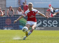 Leah Williamson of Arsenal during Women's Super League match between Arsenal and Everton Ladies FC at Boredom Wood, Boredom Wood on 21 Apr 2019 in Borehamwood, England Get premium, high resolution news photos at Getty Images Football Girls, Football Players, Jordan Nobbs, Alex Morgan, Video Site, Magazine Ads, Everton, Arsenal, Documentaries