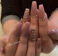 Nails Sencillas Glitter 20 Ideas For 2019 Rhinestone Nails, Bling Nails, Gold Nails, Glitter Nails, Fancy Nails, Trendy Nails, Cute Nails, Swarovski Nail Crystals, Crystal Nails