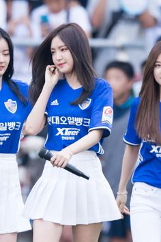 Apink - Naeun Kpop Girl Groups, Korean Girl Groups, Kpop Girls, South Korean Women, Apink Naeun, Japanese School Uniform, Girl Bands, Sexy Asian Girls, Sport Girl