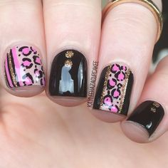 some pink and black leopard print nails inspired by @nailsbynikki_