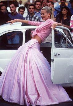 "ilivebytherulesoffashion: ""Roman Holiday"" Claudia Schiffer... (ZsaZsa Bellagio…"