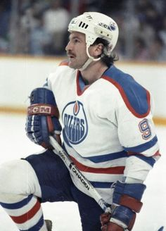 Glenn Anderson Good Old Times, Edmonton Oilers, Nfl Fans, Hockey Players, Lady And Gentlemen, Motorcycle Jacket, Baseball Cards, Boys, Sports