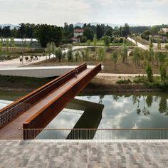 Rio Arga Pedestrian Bridge by Peralta Ayesa