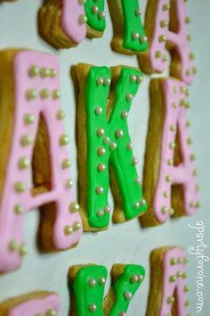 Alpha Kappa Alpha cookies <--pretty girls eat pretty cookies... skee-sweet! LOL!! ♥ #AKA #1908