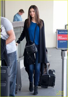 Victoria Justice: Flight Out of LAX After 21st Birthday | victoria justice lax arrival mom 08 - Photo