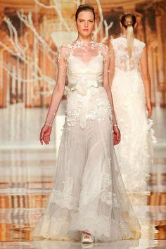Vestidos de novia de Yolan Cris 2014 - propuestas innovadoras