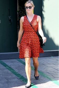 Reese Witherspoon, summer dress, street style. The line and the V.