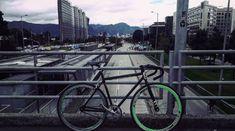 Fixie live. Photo:@xxorrtizz #fixie #fixieporn #fixed #bici #bicicleta #bike #bikeporn #city #ciudad #new #insta #instagram #bogota…
