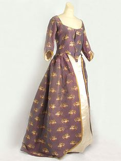 Silk damask open robe from a New England estate, c.1770-80.