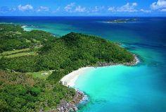 Hole in one ! L'unique parcours 18 trous des Seychelles est tout simplement le rêve de tout golfeurs ! @constancehotels
