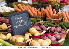 Farmers Market Pictures, so it is clear that behind it is not a big chain, but the products come from local farmers