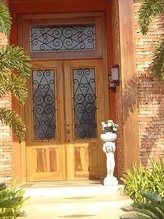 porta de madeira de demolição peroba rosa 2 folhas 2.95x1.40                                                                                                                                                                                 Mais
