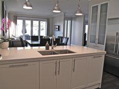 Designed in New Zealand by David Shaw. #Homedecor #Kitchendesign #sink #Whitekitchen #Designerkitchen #Blum #Stonebenchtop #djscabinetry www.facebook.com/djscabinetry