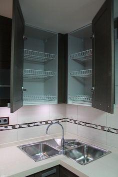 Choosing a New Kitchen Sink If You Are Kitchen Remodeling Corner Sink Kitchen, Kitchen Sink Design, Kitchen Sets, Home Decor Kitchen, Interior Design Kitchen, Kitchen Furniture, Home Kitchens, Kitchen Upgrades, Menorca