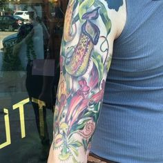 Finished up this sleeve of carnivorous plants on Wes, who bakes like an angel at @pleasanthouse and is just the nicest.  So happy with how this turned out, (even if the video is a little over exposed.)