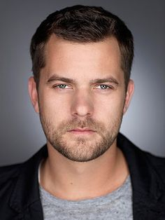 Joshua Jackson - a bit of Paul Newman and a bit of Marlon Brando and a bit of sweet guy next door... can you honestly ask for more?