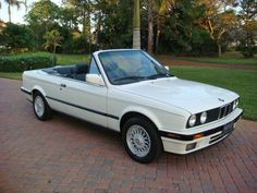 We have an Old School 1992 BMW Convertible Bmw E30 Cabrio, Suv Bmw, Bmw E30 Convertible, Mustang Convertible, Bmw Old, Bmw Performance, Bmw Autos, Bmw Classic Cars, Cars
