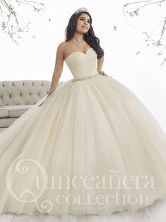 Make a grand entrance in a House of Wu Quinceanera Dress Style Number 26849 during your Sweet 15 party or any formal event. A beautiful strapless sweetheart ball gown has a gathered tulle bodice, drop Xv Dresses, Ball Dresses, Ball Gowns, Fashion Dresses, Prom Dresses, Formal Dresses, Sweet 15 Dresses, Pretty Dresses, Beautiful Dresses