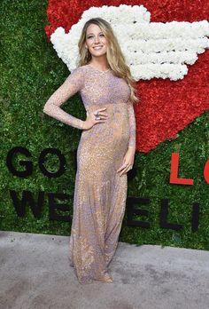 Pin for Later: Blake Lively präsentiert ihren Babybauch auf dem roten Teppich Blake und ihr Babybauch