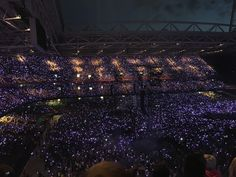Coldplay AHFOD tour 2017 cardiff principality stadium lights xylobands aesthetic tumblr concert