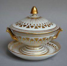 Légumier en porcelaine de style Empire Signé Delvaux Rue Royale Paris France