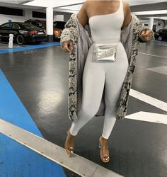 38 Clothing Trends Source by yourfashionideas outfits chic classy Dope Outfits, Night Outfits, Classy Outfits, Stylish Outfits, Girl Outfits, Fashion Outfits, Womens Fashion, Ladies Outfits, Evening Outfits