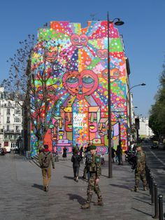 #DACRUZGRAFFITI #paris #urbanartparis #streetart #patm666photos #canalsaintmartin