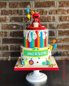 50 Most Beautiful looking Elmo Cake Design that you can make or get it made on the coming birthday. Elmo First Birthday, Barbie Birthday Party, 1st Birthday Party Themes, Elmo Party, Birthday Celebration, Sesame Street Birthday Cakes, Sesame Street Cake, Elmo Cake, Elmo And Cookie Monster