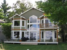 Green Home Building Design #HealthyGreenHomeDesign >> Visit us for more green ideas at http://wiselygreen.com/green-building-materials/