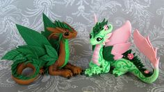 Woodland Dragon and pretty flower Pixie! When the dude gets lazered out of his lawn chair! Dragon's nose is flying! Pixie makes her Dragon laugh! Polymer Clay Kunst, Polymer Clay Dragon, Polymer Clay Figures, Polymer Clay Sculptures, Cute Polymer Clay, Polymer Clay Animals, Cute Clay, Polymer Clay Charms, Polymer Clay Projects