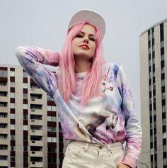 Fashion Blogger Susanna Lindenborg -susext- Stockholm, Sweden x Breaking Rocks Galactic Unicorn Sweater. #breakingrocks #designerbrand #unicorn #alloverprint #streetstyle #Stockholm #urbanstyle #galaxy #Einhorn #eenhoorn #pinkhair