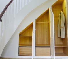 Indbygget skab under trappe 2