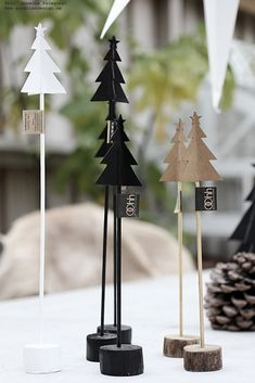 Image title Image title - Happy Christmas - Noel 2020 ideas-Happy New Year-Christmas Nordic Christmas, Diy Christmas Tree, Simple Christmas, Christmas Ornaments, Deco Table Noel, Dollar Store Christmas, Diy Weihnachten, Merry Xmas, Christmas Inspiration