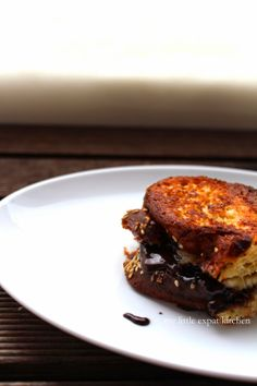 My Little Expat Kitchen: Tsoureki French Toast Filled with Nutella and Banana