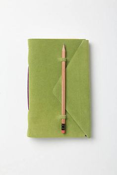 Anthropologie EU Slipped-In-Suede Journal Handmade Notebook, Diy Notebook, Handmade Journals, Handmade Books, Mini Albums, Book Projects, Book Binding, Book Journal, Book Making
