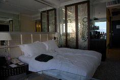 Regal Hong Kong Hotel Single Bed Room and Entrance..