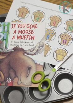 FREE If you Give a Mouse a Muffin counting activity - this free printable is such a fun math activity to go with our favorite Laura Numeroff book #counting #preschool #kindergarten #ifyougiveamouseamuffin #lauranumeroff #math