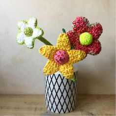 Häkelanleitung füt große, imposante Blumen von WollLolli
